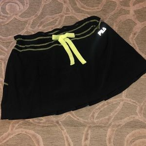 NWT🌷FILA SPORT🌷Black w yellow trim tennis skort
